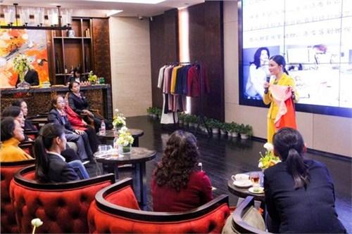 昆明女性形象礼仪导师 值得信赖 云南皇礼礼仪学院