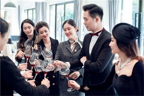 昆明中餐礼仪培训课程 客户至上 云南皇礼礼仪学院
