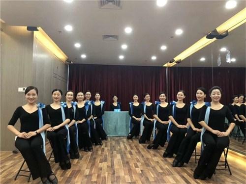 昆明仪态礼仪培训机构哪家好 值得信赖 云南皇礼礼仪学院