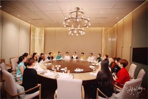 昆明用餐礼仪课程 云南皇礼礼仪学院