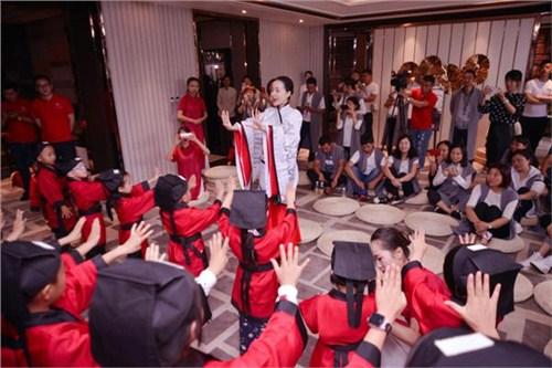 昆明儿童形体礼仪培训 欢迎咨询 云南皇礼礼仪学院