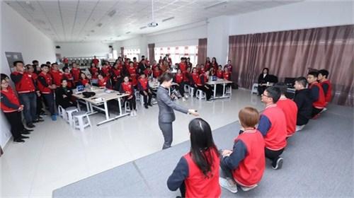 昆明公司礼仪班 客户至上 云南皇礼礼仪学院