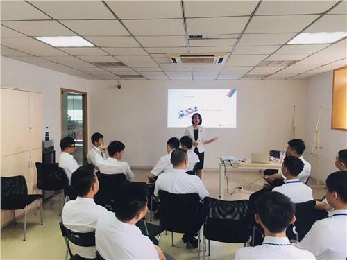 昆明企业员工礼仪培训课程 诚信为本 云南皇礼礼仪学院