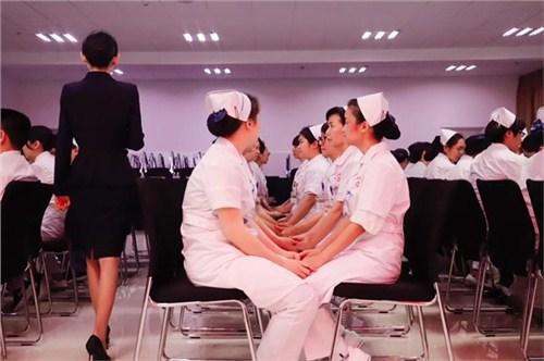 昆明医院护士礼仪教学 云南皇礼礼仪学院