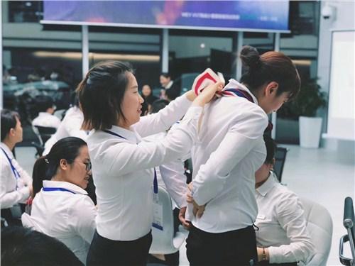 昆明4s店礼仪教育 云南皇礼礼仪学院