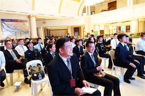 昆明商务礼仪培训机构哪家好18108825783 服务至上 云南皇礼礼仪学院