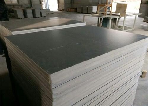 云南防腐耐磨托板批發多少錢 歡迎來電 云南嘉緣免燒磚托板廠供應