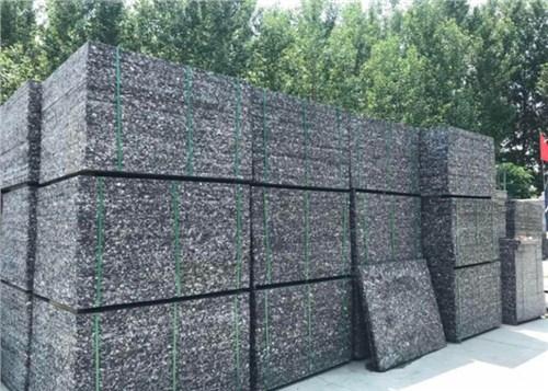 云南防腐耐磨托板多少錢 有口皆碑 云南嘉緣免燒磚托板廠供應