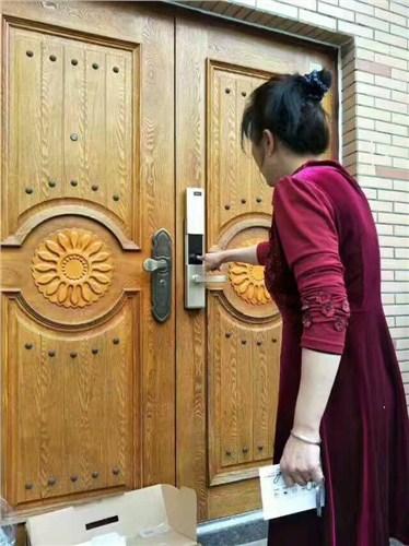 鄠邑区口碑好专业开锁上门维修 值得信赖 西安金锁王安防科技供应