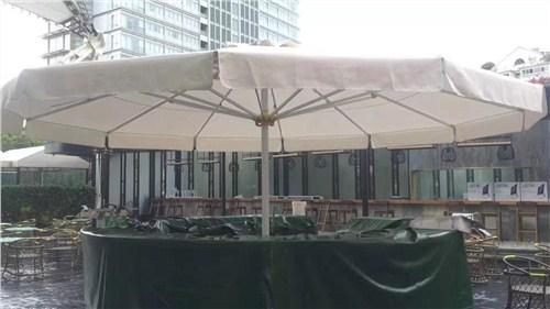 瀍河回族区安装大伞哪家便宜,大伞