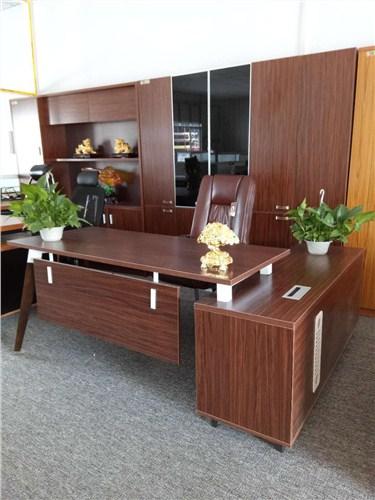濮阳学校老板桌多少钱「洛阳市洛龙区鑫泰办公家具供应」
