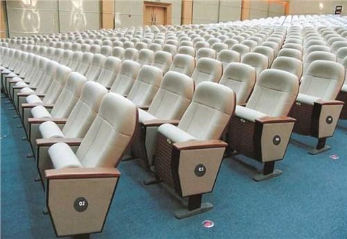 南阳学校礼堂椅哪家专业「洛阳市洛龙区鑫泰办公家具供应」