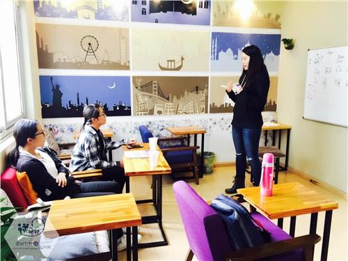 昆明五華區高考英語沖刺「逆時針外語供應」