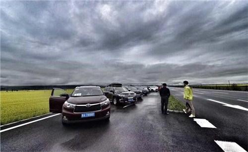 西宁到甘肃暑期跟团游 欢迎来电 青海友诚国际旅行社供应