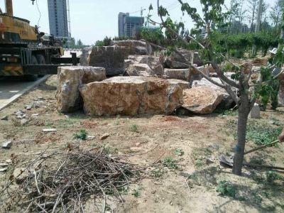淄博广场湖岸石,湖岸石