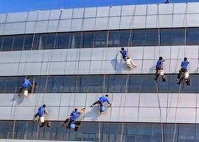 无锡高楼外墙清洗需要多少钱 昆山佳泰环保科技供应「昆山佳泰环保科技供应」
