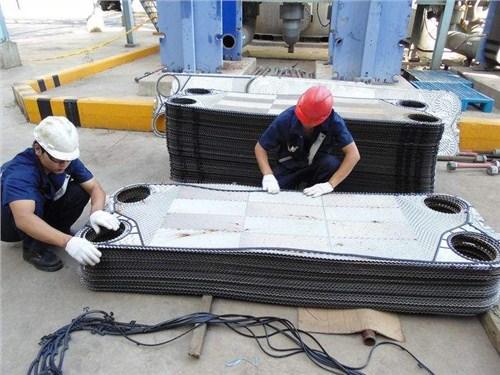 常熟API/萨莫威孚板式换热器清洗维修 泰州弗斯特换热设备供应