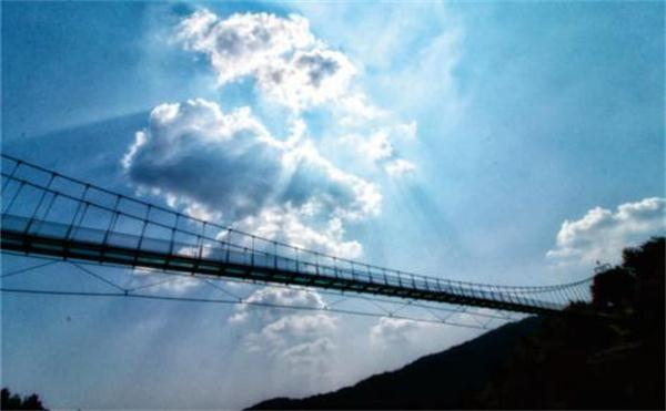 吊桥.jpg