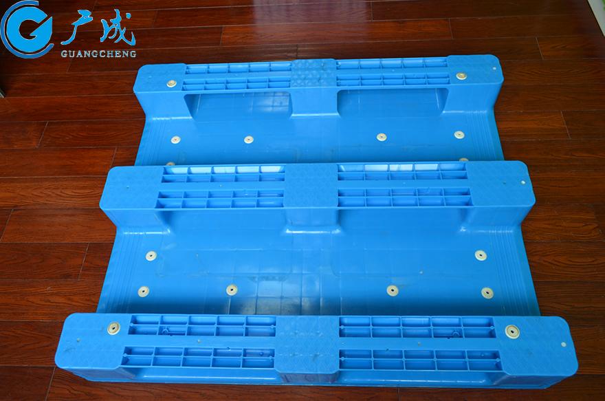 1210平板川字塑料托盘底部面