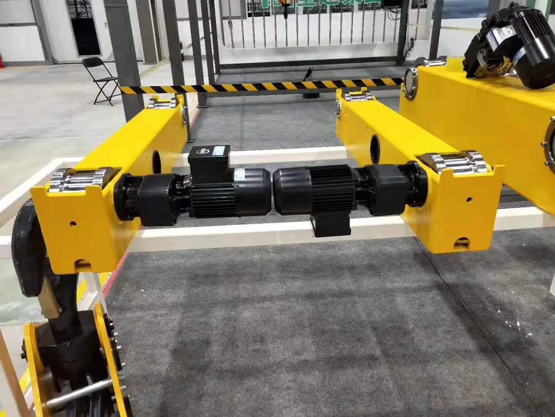 欧式起重端梁,采用的锻造车轮,配套德国ABM减速机运行机构--.jpg