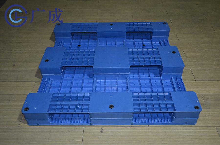1212平板川字塑料托盘底部