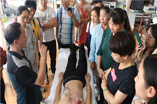 云南中医特色调理师工资多少 云南万年青职业培训学校