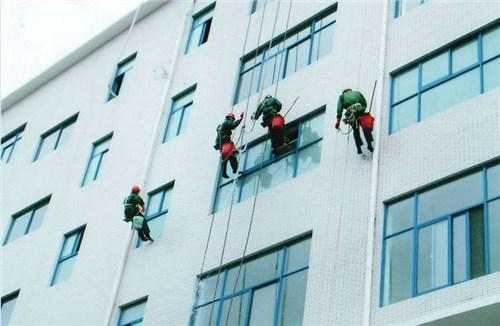 湖北大厦外墙清洗价格哪家便宜 客户至上 武汉宏通盛保洁服务供应