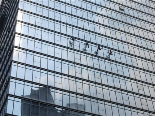 湖北大厦外墙清洗 有口皆碑 武汉宏通盛保洁服务供应