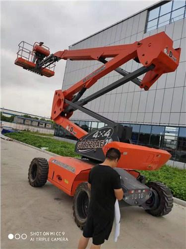 福建正規曲臂式高空車,曲臂式高空車