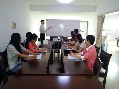镇江知名多语种翻译哪家公司靠谱 和谐共赢 无锡太湖翻译供应
