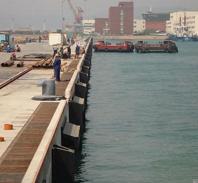 芝罘区优良橡胶护舷厂家报价,橡胶护舷