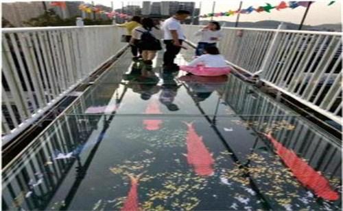 玻璃吊桥设计公司|河南玻璃吊桥|玻璃吊桥施工