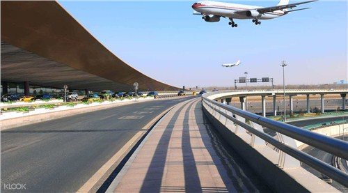 新疆机场接送价格 吉祥租车供应