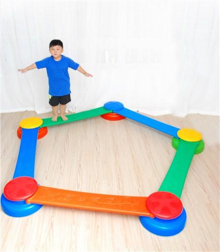 儿童独木桥