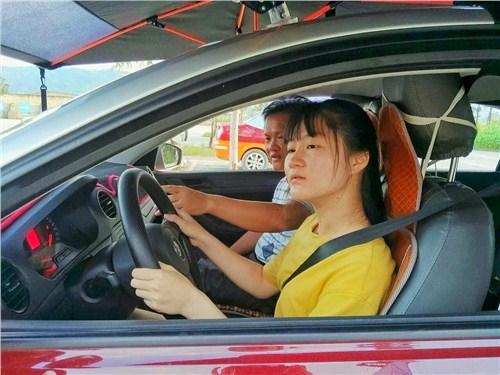 惠州学C1驾驶证要多少钱 惠州市源诚驾驶员培训服务供应