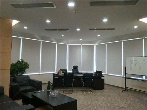 杨浦电动办公窗帘安装「上海甬恒装饰材料供应」
