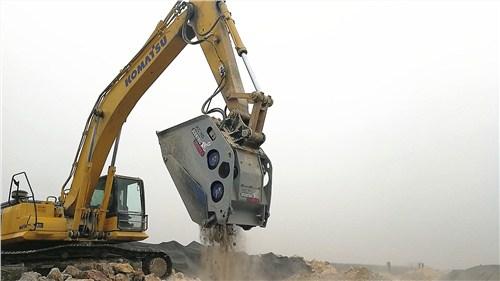 XC碎石机安装,碎石机
