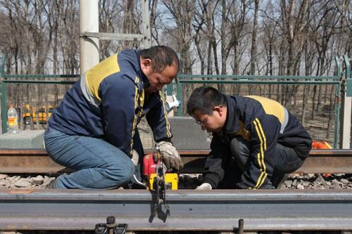 江苏优良钢轨加工欢迎来电,钢轨加工