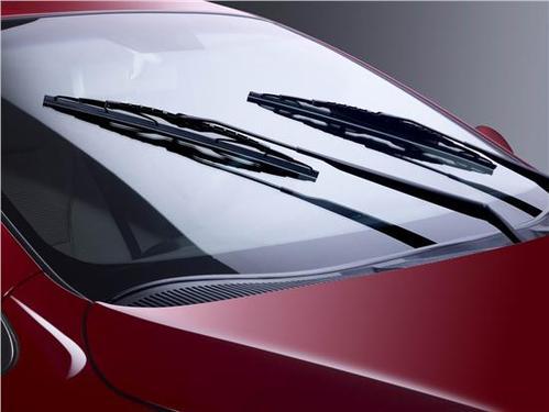 西宁奔驰汽车挡风玻璃胶条老化 诚信经营「永光汽车风挡玻璃供应」