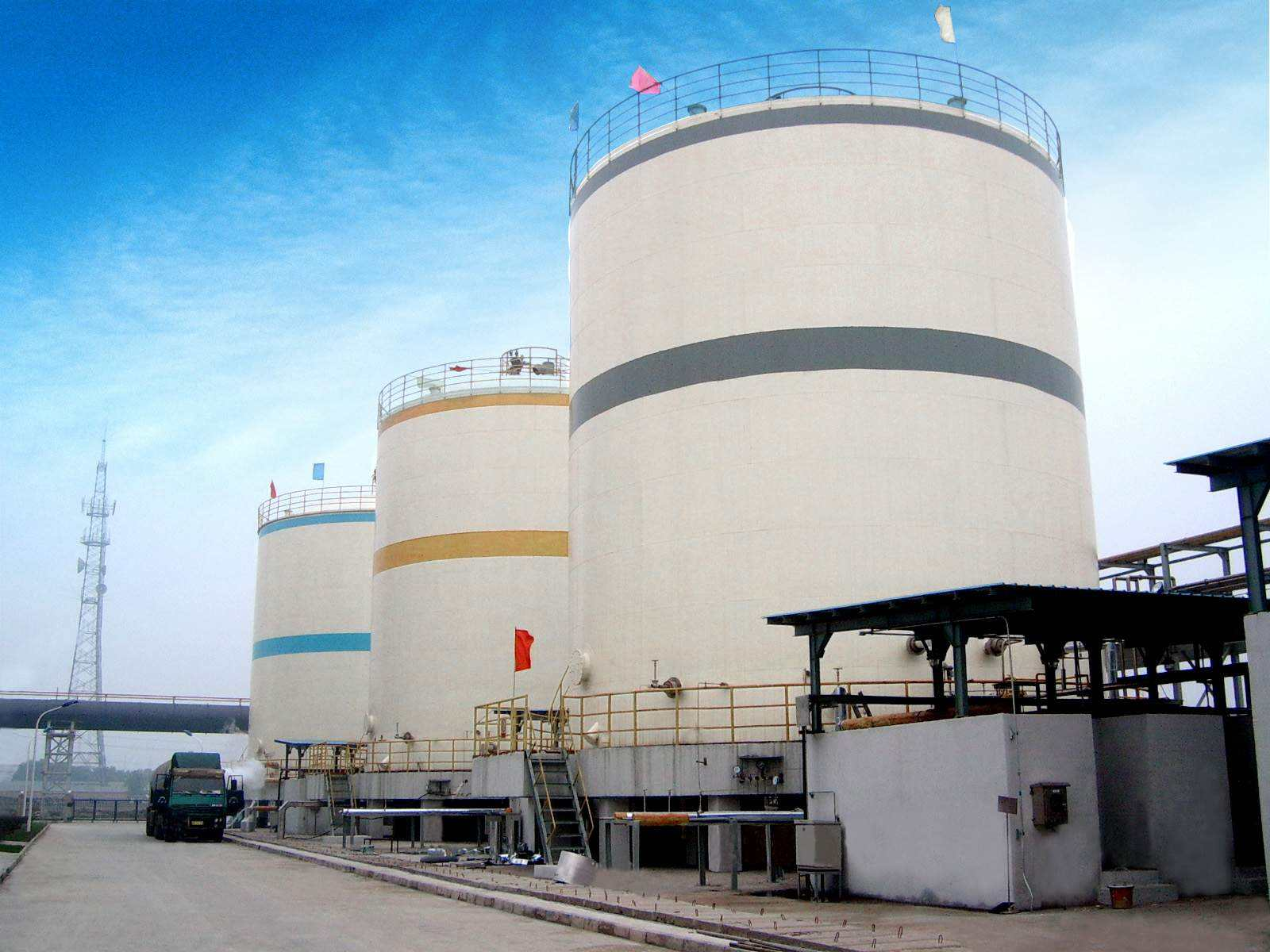 昆山整车液氮报价 推荐咨询「上海德伦气体设备供应」