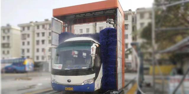 天津大型大巴洗车机 太仓麦迪斯供应
