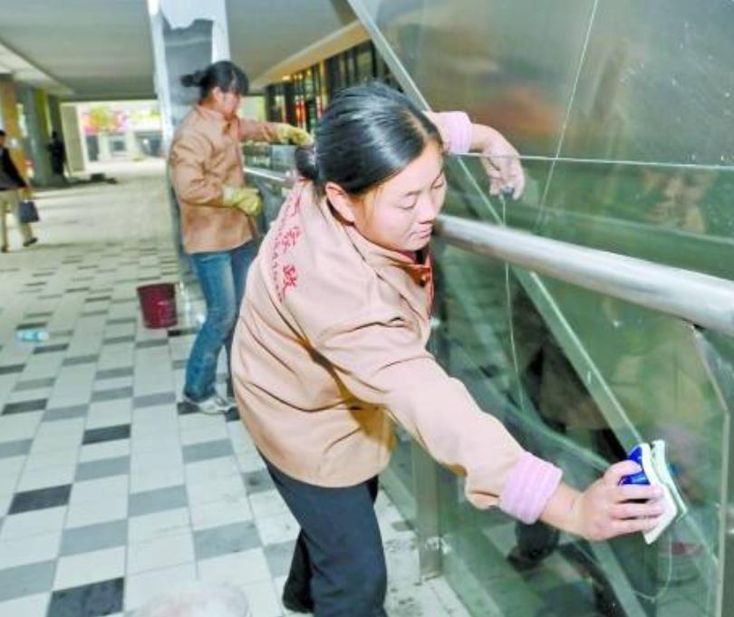 张家港知名钟点工那家好 服务为先 吴中经济技术开发区艾美诺家政服务供应