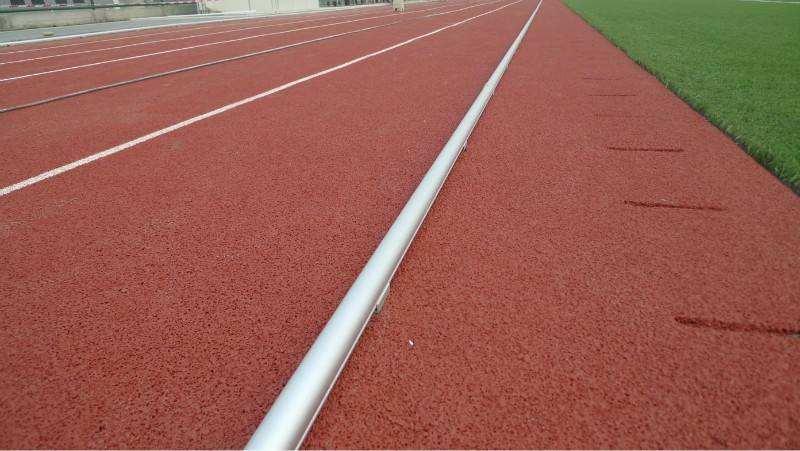 南安自结纹型塑胶跑道哪家好「福建省爱拼体育设施供应」