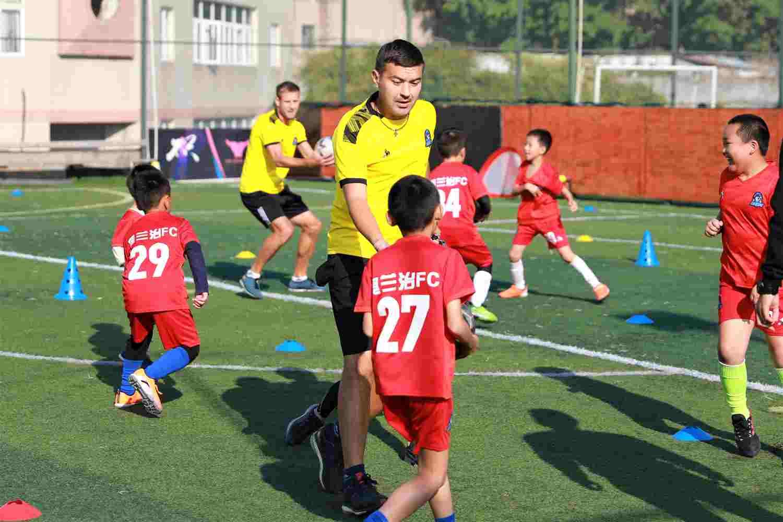 龙岗幼儿足球培训「奥兰治体育产业(深圳)供应」