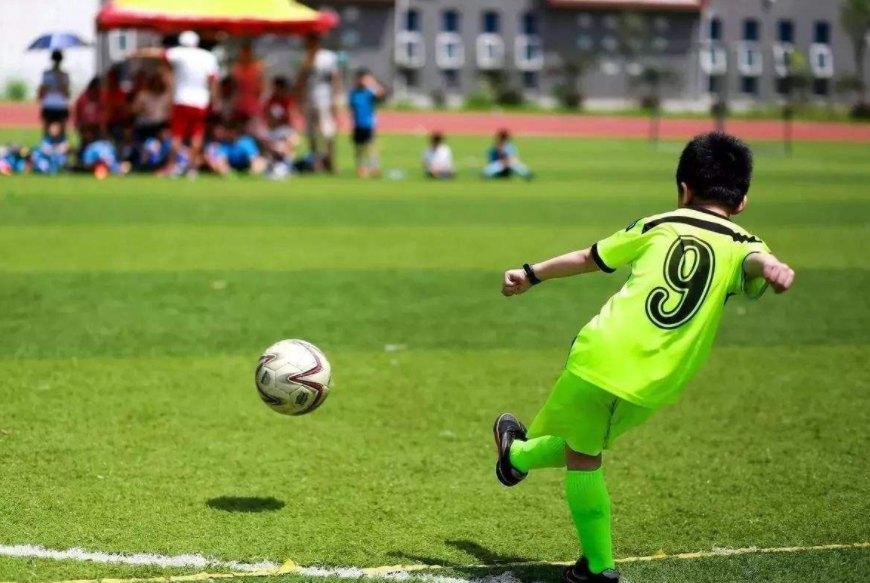 宝安小学足球培训一对一教学,足球培训