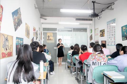 正规的日语培训哪家好「青岛华兴日语专修学校供应」