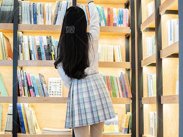 广东JK制服 服务为先 艾秋服装供应