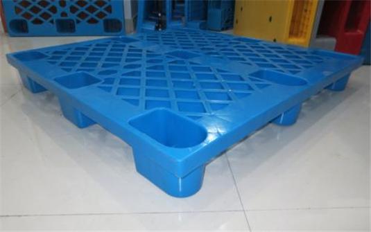 黔南州九脚塑料托盘厂家回收,塑料托盘