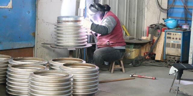 福建圆形波纹膨胀节「 江苏贝特管件供应」