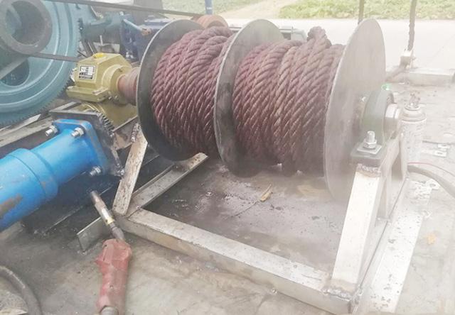 广东吸田螺捕捞船厂家直供「小唐渔业机械供应」